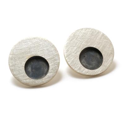 machi-dewaard-single-concentric-earrings-oxi